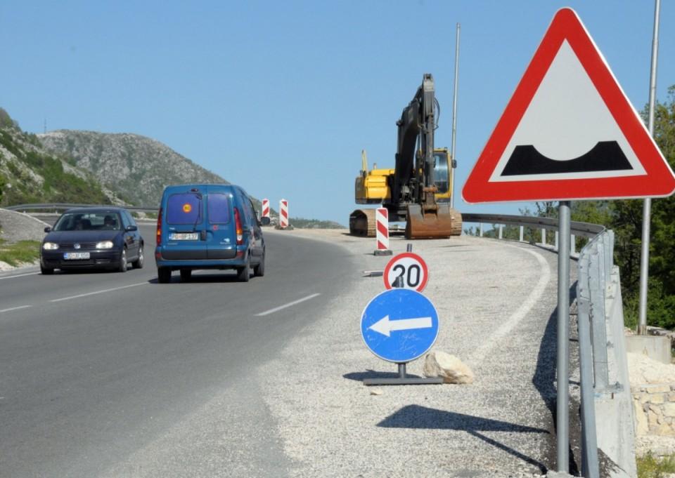 AMSCG: Obustave saobraćaja na putu Cetinje - Budva