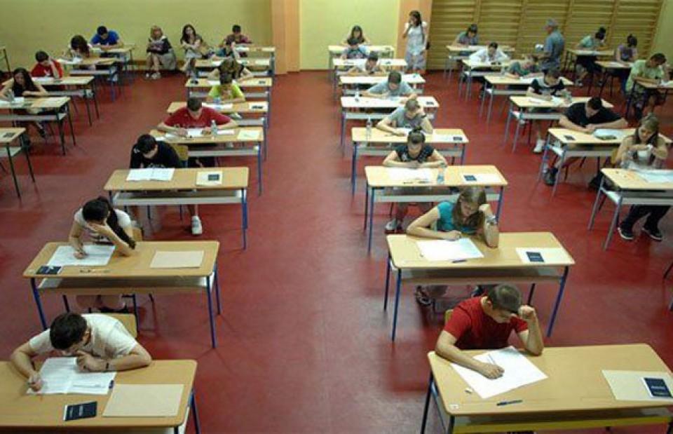 Eksterni maturski i stručni ispit iz stranog jezika i  matematike 1. i 2. juna