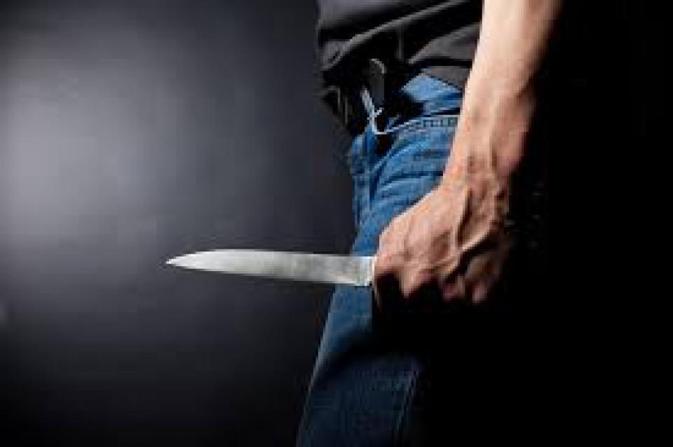 Nožem pokušao da ubije bivšu suprugu na Jazu