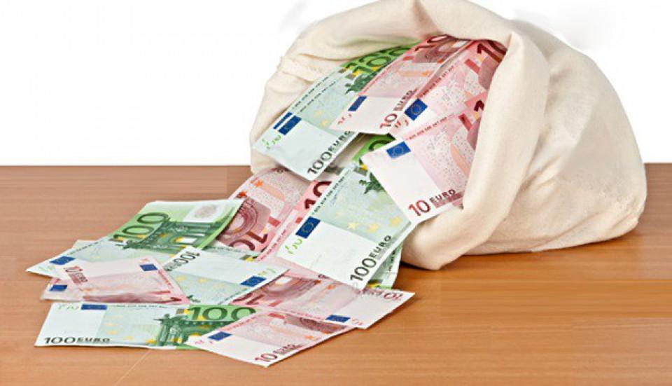 Građani se kod banaka za sedam mjeseci zadužili 285 miliona eura