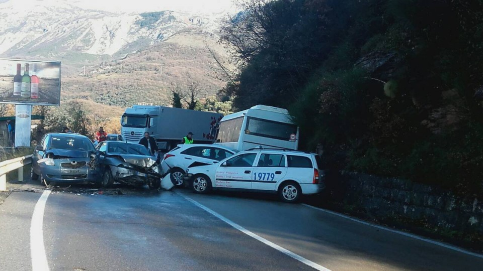 Saobraćajna nesreća kod Svetog Stefana