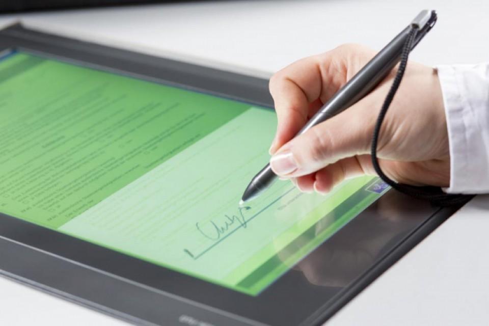 Elektronski potpis ima 400 građana i 20.000 firmi