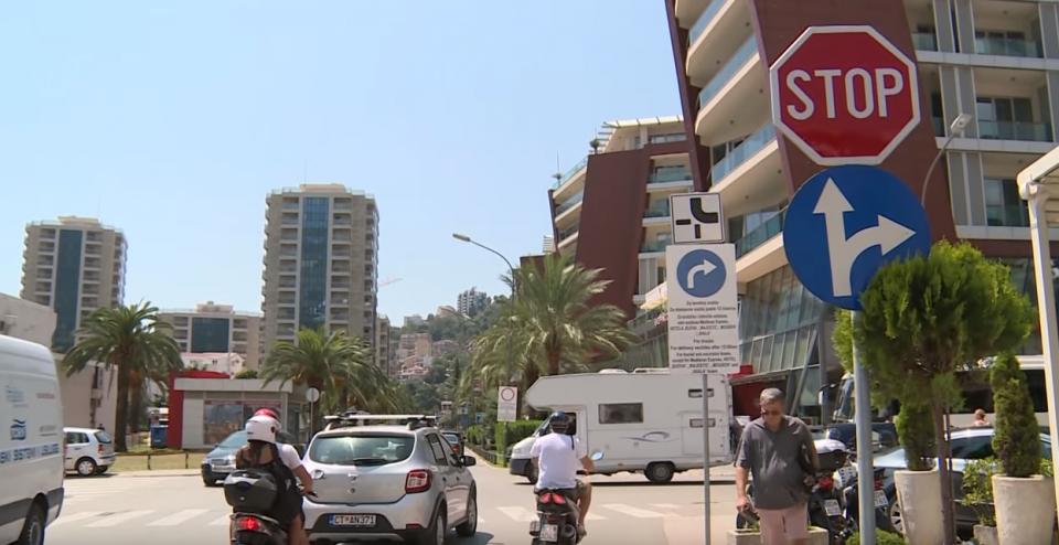 Zabranjeno skretanje iz Mediteranske u ulicu 22. novembra