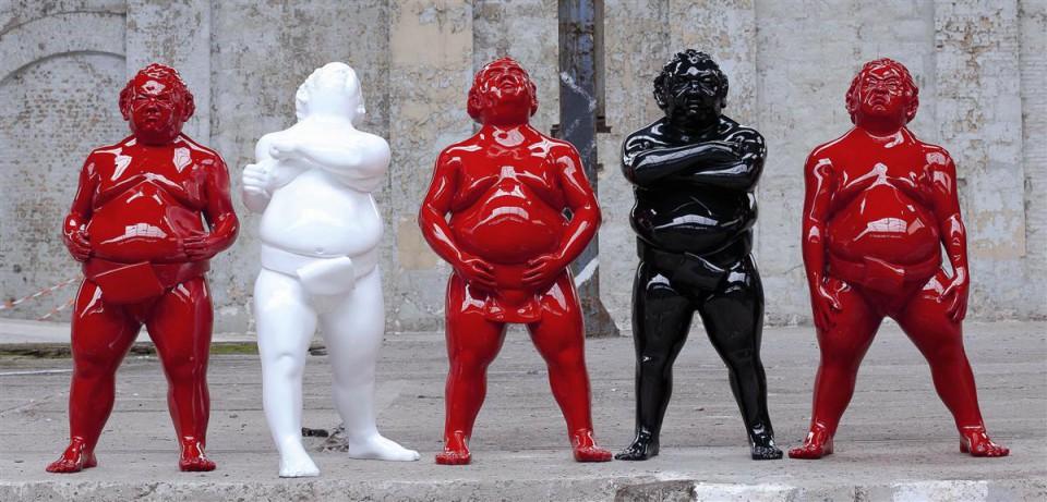 Postavljena izložba monumentalnih skulptura u Porto Montengru